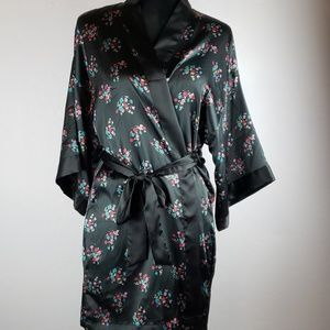 VICTORIA'S SECRET Angel's Black Floral Kimono